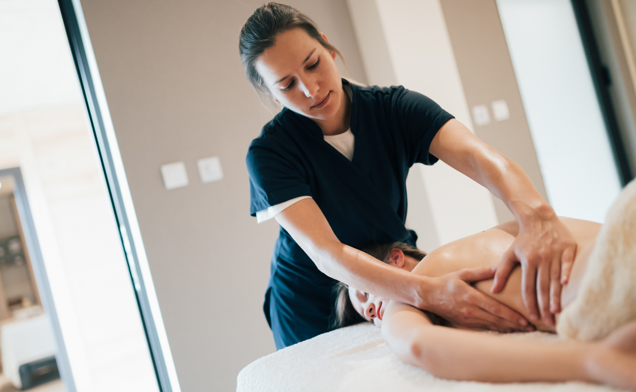 massage therapy student training
